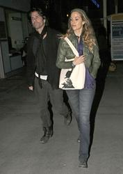 Nov 29, 2010 - Elizabeth Berkley - Leaving Arclight Cinemas in Hollywood Th_64164_tduid1721_Forum.anhmjn.com_20101201073930001_122_109lo
