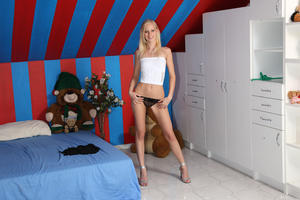 Uma - Striptease Speculum [Zip]-p5n48lkqwd.jpg