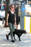 Джулианн Мур, фото 6. Julianne Moore walks her black doggy in New York, photo 6