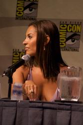 Salli Richardson - Deep Cleavage Shots From '09 ComicCon