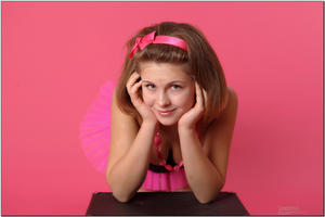 http://img25.imagevenue.com/loc480/th_725523943_tduid300163_sandrinya_model_pinkmini_teenmodeling_tv_071_122_480lo.jpg