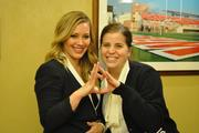 http://img25.imagevenue.com/loc59/th_626207732_Hilary_Duff_Chapman_University13_122_59lo.jpg