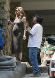 Ellen Pompeo visits her new house in the Hollywood Hills May 15th 2009 x 23 HQ (pokies)