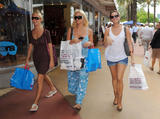 Brooke Hogan *Big Cleavage* - Shopping in Miami, January 13, 2009