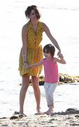 th 32020 selena2 123 85lo Selena Gomez   hanging with family at a beach in Malibu 02/17/12